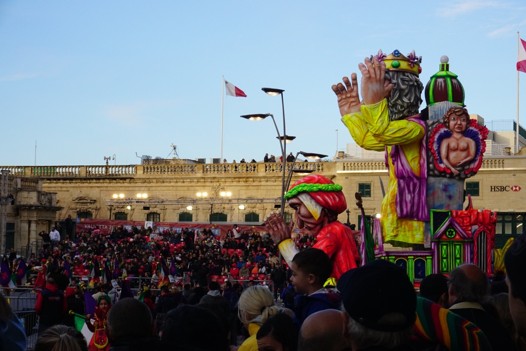 carnival floats valletta plaza st George